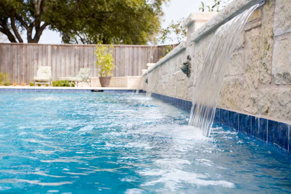 Swimming Pool Water Features in Dallas, TX | Summerhill Pools